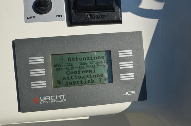 Un pannello di controllo racchiude tutte le informazioni del JCS Plus650