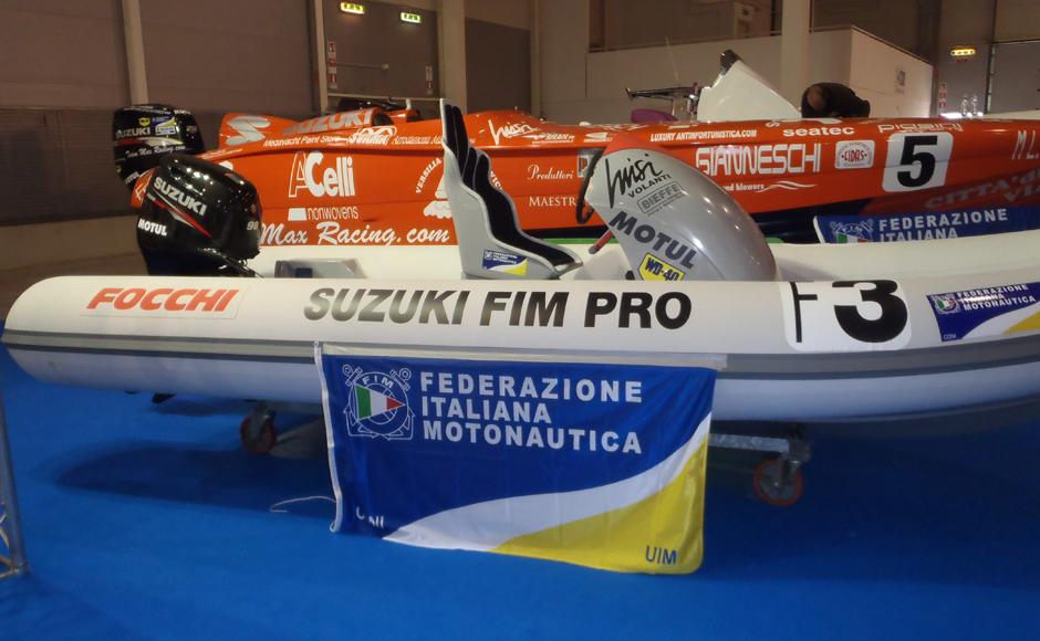 BoatMag - Focchi 535 Corse con Suzuki 90 cv per Campionato FIM PRO 1