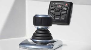 Master-996_Mercury-Verado-joystick