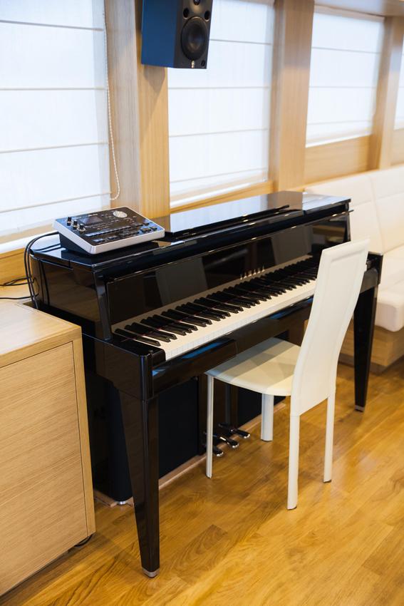 Gamma 20 Libertas Salone con piano