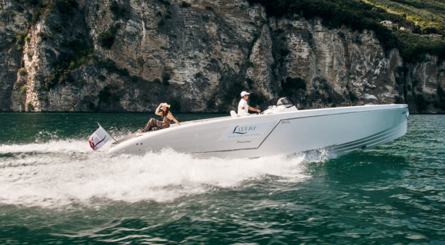 Frauscher-Boat-Limousine_Lefey-Resort-&-Spa-version-(45)