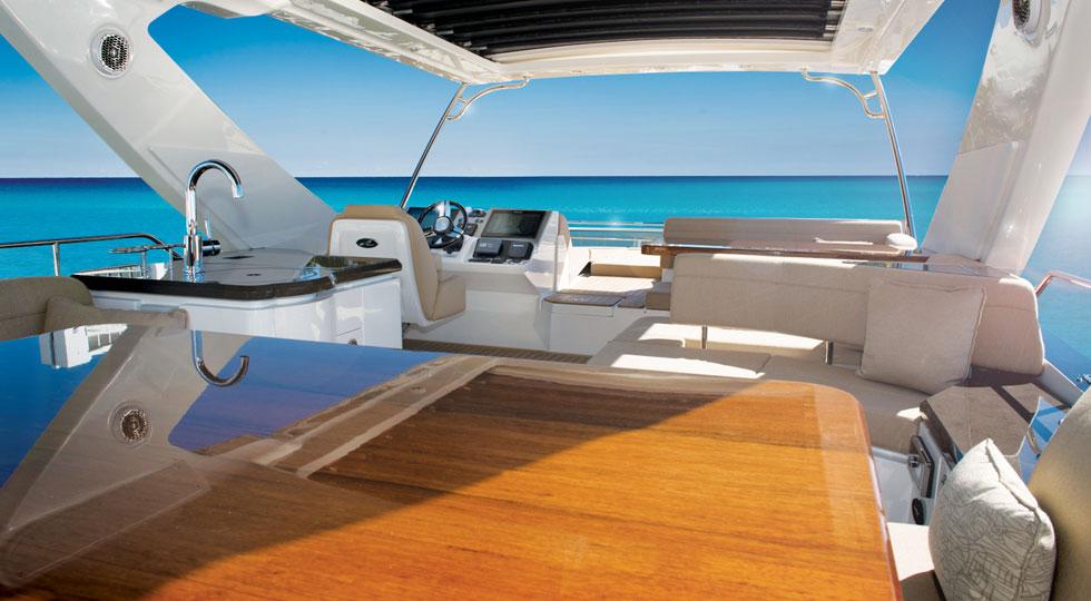 Sea-Ray-L650-Fly_Fly_Bridge