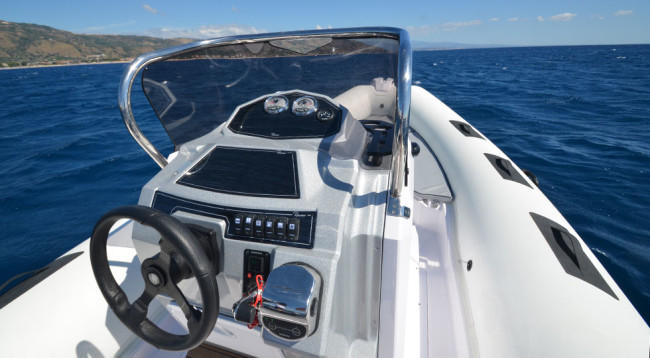Ranieri-Cayman-26-Sport-Touring_8