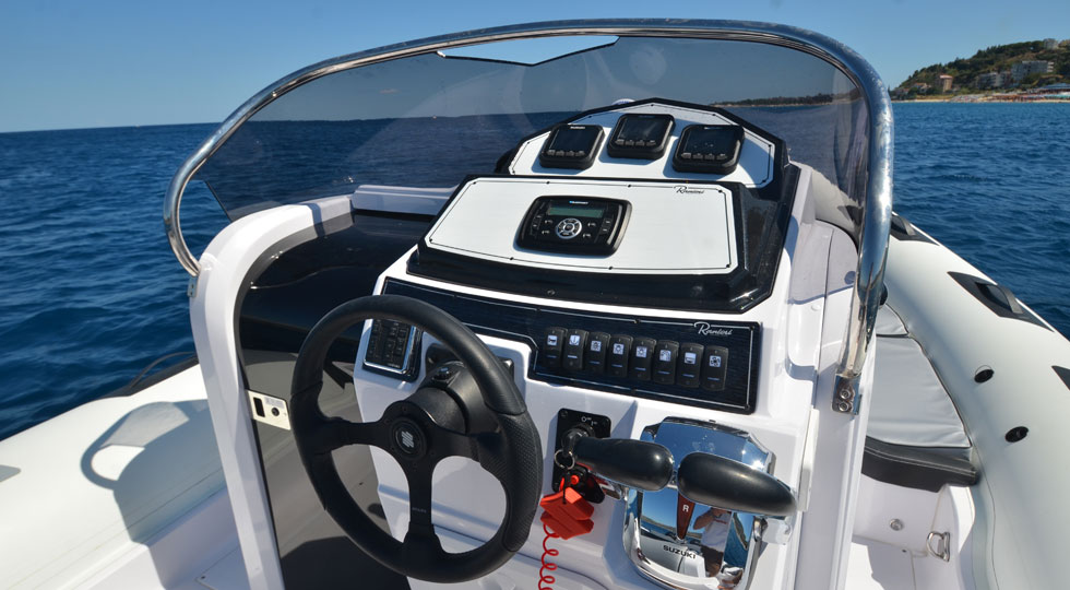 Ranieri-Cayman-28-Sport-Touring_10