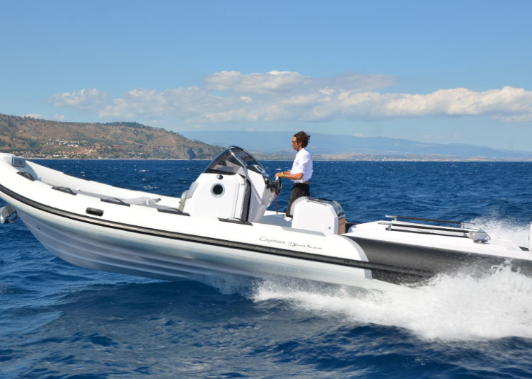 Ranieri-Cayman-31-Sport-Touring