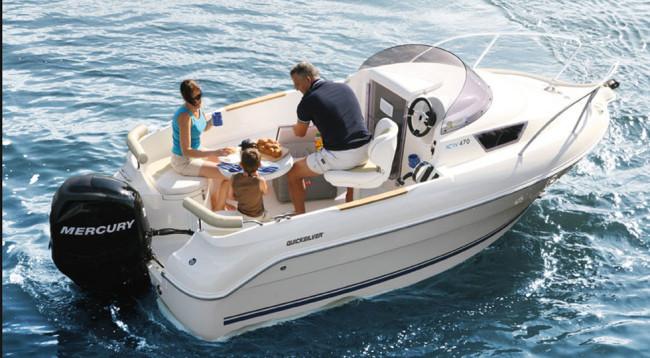 Quicksilver-470-Activ-Cabin_Nautica-Carlo