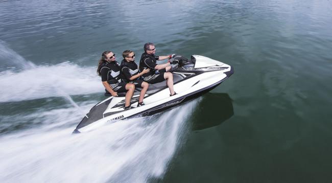 Yamaha-WaveRunner-VX-Cruiser_6