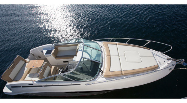 Bayliner-842-Cuddy_MerCruiser-6.2L-V8_2