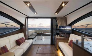 Sea Ray 400 Sundancer Salone da prua