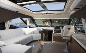 Sea Ray 510 Sundancer Salone da poppa