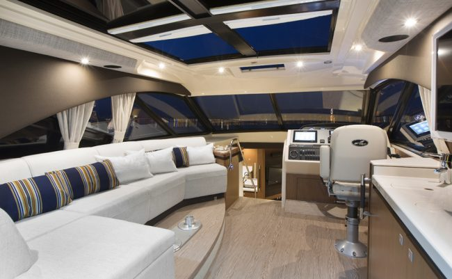 Sea Ray 510 Sundancer Salone di sera