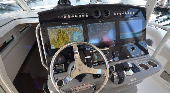 boston-whaler_420-outrage_1